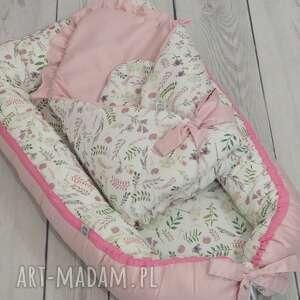 białe pokoik dziecka gniazdko niemowlęce kokon dla niemowlaka akwarelowe