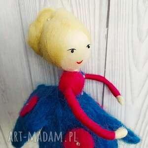 pokoik dziecka lalka laleczka oliwia - balerina tańczaca