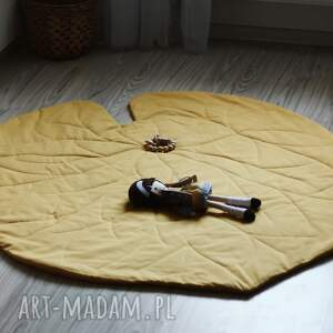 Mata do zabawy - liść lilii żółty - Handmade