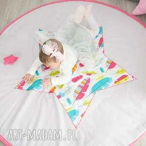 różowe pokoik dziecka piórka mata do zabawy piórkowy las