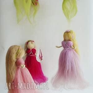 karuzela pokoik dziecka fioletowe mobil-karuzela. Zabawa z kroplą