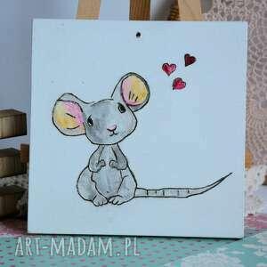 obrazek pokoik dziecka białe z myszką