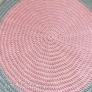 handmade pokoik dziecka dom okrągły dywan 104 cm szaro-różowy