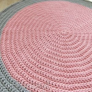 różowe pokoik dziecka dom okrągły dywan 104 cm szaro-różowy