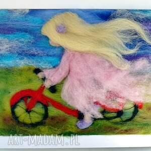 turkusowe pokoik dziecka rower pod wiatr. Obraz z kolekcji die