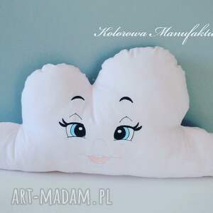 białe pokoik dziecka chmurki poduszka chmurka haftowana