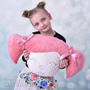 pomysł-na-prezent pokoik dziecka poduszka dziecięca dziewczynka