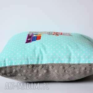 turkusowe pokoik dziecka kotek poduszka - kocha czytać