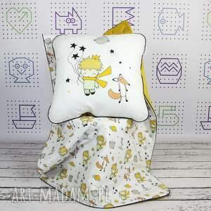 mały pokoik dziecka żółte poduszka książę