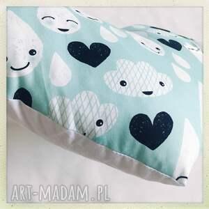 krople pokoik dziecka białe poduszka serce