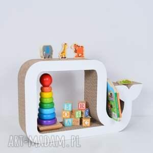 chłopiec półka na książki zabawki wieloryb