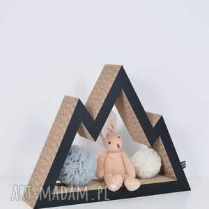 pokoik dziecka chłopiec półka na książki zabawki góry