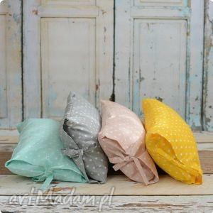 trendy pokoik dziecka poszewka poduszka - pudrowa mięta