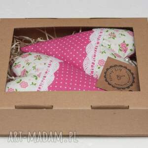 różowe pokoik dziecka serduszko serce zawieszka w pudełku