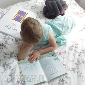 pokoik dziecka personalizowany świecąca litera u z imieniem