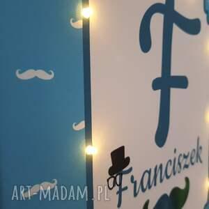 niebieskie pokoik dziecka metryczka świecąca litera imię wąsy