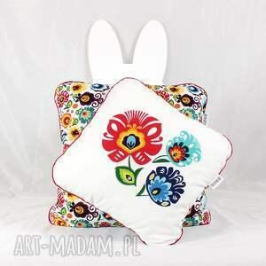 białe pokoik dziecka poduszka zestaw dwie poduszki folk kwiaty