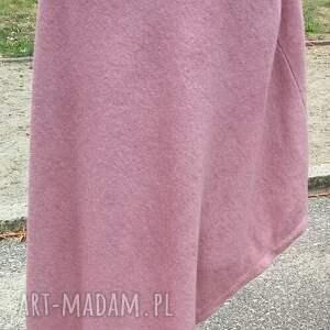 atrakcyjne poncho sweter blady róż pastel wrzos