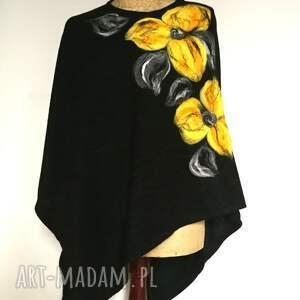 Ruda Klara poncho merynosy czarne w kwiaty ciepłe
