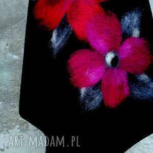 szare poncho klasyczne ponczo czarne z kwiatami