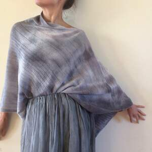 sweter poncho unikatowe, ręcznie barwione ponczo