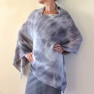 poncho: Eleganckie wełniane jasno szare ponczo sweter