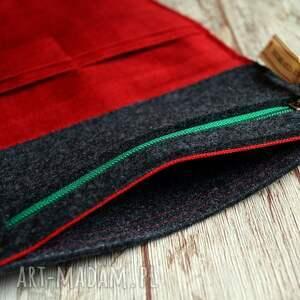 portfele haft duży filcowy portfel - truskaweczki
