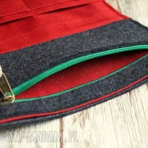 gustowne portfele haft duży filcowy portfel - truskaweczki