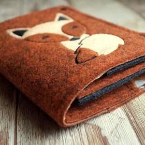 awangardowe portfele portfel filcowy portfelik z liskiem