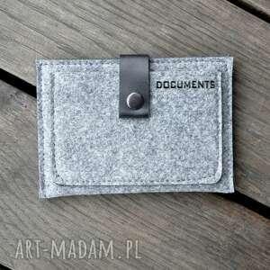 czarne filcowy portfel ze skórzanym