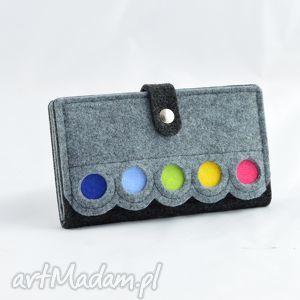 portfele: Portfel filcowy z kolorowymi kropkami - MIDI filc