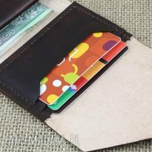 portfele portfel skórzany wykonany z roślinie garbowanej