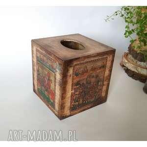 kolorowe pudełka średniowiecze chustecznik rycerza