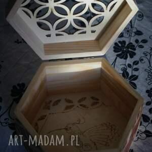 szkatułka pudełka brązowe kaczka dziwaczka - drewniane