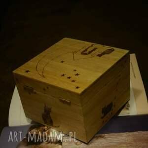 kot pudełka brązowe kocie puzderko - drewniane pudełko