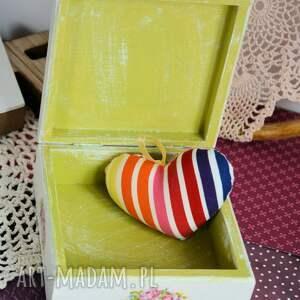 białe drewno pudełko drewniane - romantyczny