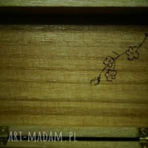 niebanalne pudełka geisza pudełko geiszy - ręcznie wypalane