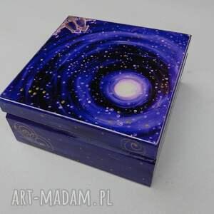 złote pudełka kotki pudełko szczęście gwiazd