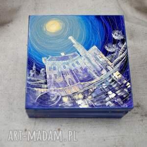 budynki pudełka pudełko zamek w karpnikach