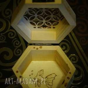 pudełka bibelot rybcia - drewniane sześciokątne
