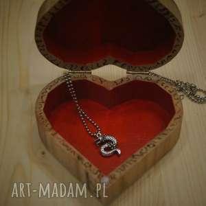 smok pudełka beżowe smocze serce - drewniane pudełko