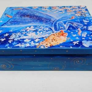 niebieskie pudełka anioł szkatułka lekkość bytu