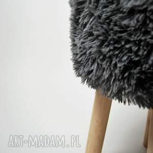 atrakcyjne pufy stołek fjerne s futrzak szary