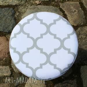 handmade pufy puf pufa koniczyna maroco biało szara