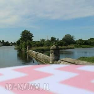 beżowe pufy stołek pufa różowy zygzak białe nogi - 36
