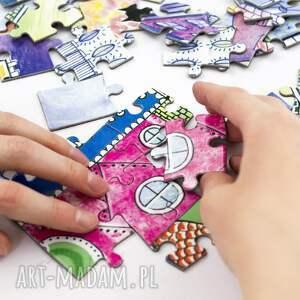 puzzle fioletowe baśniowe wzgórza