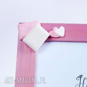 Słodka pudrowo różowa ramka na zdjęcia - modelina różowy