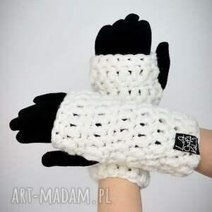 niepowtarzalne rękawiczki mitenki 16 - białe