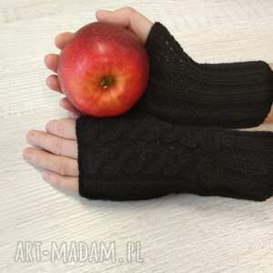wyjątkowe rękawiczki mitenki czarne zrobione na drutach