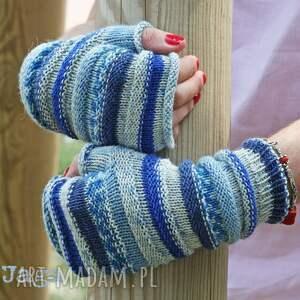 rękawiczki mitenki gąsienniczki z szafirem